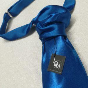 Cravate-de-mariage-bleu-costume-homme-elegant-millau-marie-300x108-LDM-Createur-fr