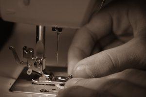 Couture-aiguille-tissu-création-inspiration-nœud-papillon-atelier-LDM-Createur-fr
