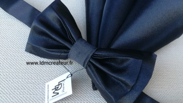 Noeud-papillon-bleu-marine-mariage-ceremonie-Vienne-www-ldmcreateur-fr