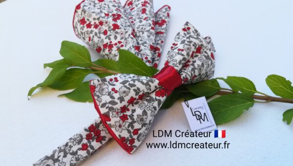 Noeud-papillon-rouge-blanc-fleuri-liberty-original-costume-homme-grenat-pochette-chic-mariage-Urcy-ldmcreateur